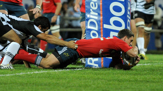 Ian Keatley touches down against Zebre