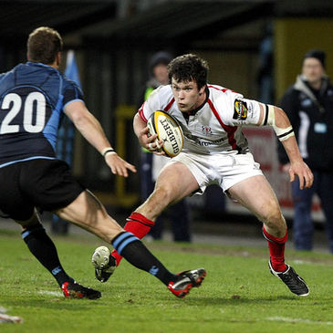 Ulster centre Ian Whitten takes on Glasgow's Dan Parks