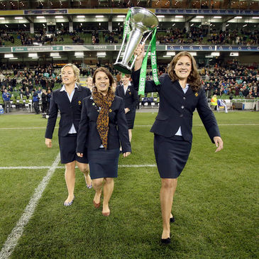Fiona Coghlan displays the Women's RBS 6 Nations trophy