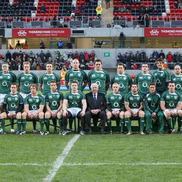 Brian O'Driscoll with John Lyons and the Ireland squad