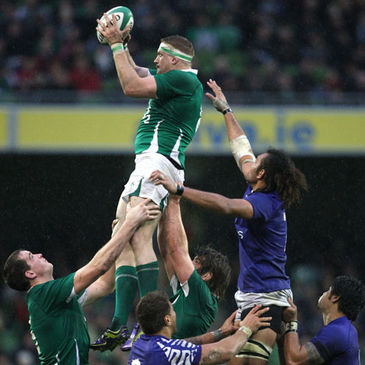Jamie Heaslip in action against Samoa
