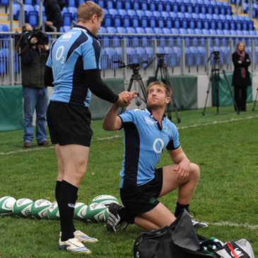 Luke Fitzgerald being congratulated by Jamie Heaslip