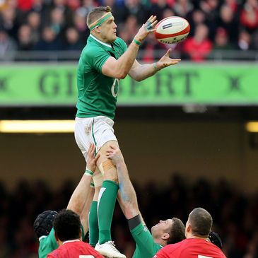 Jamie Heaslip wins a lineout for Ireland