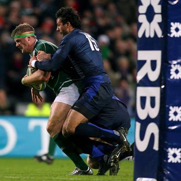 Jamie Heaslip powers through for his try