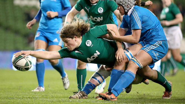 Jenny Murphy scores against Italy