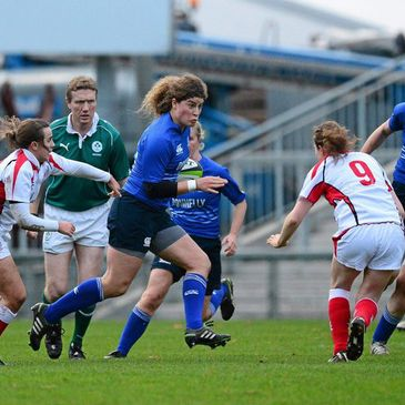 Jenny Murphy on the attack for Leinster