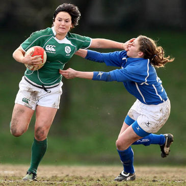 Joanne O'Sullivan in action against Italy