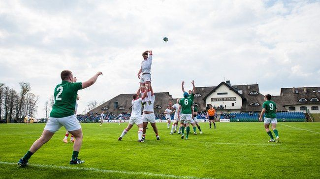 John Molony throws in to a lineout in Opalenica