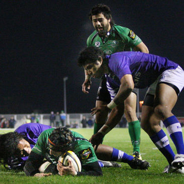 John Muldoon gets over for the match-winning try