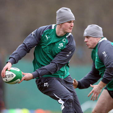 Jonathan Sexton training with the Ireland squad