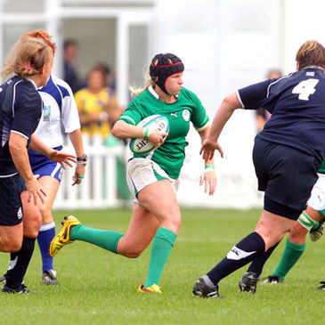 Ireland number 8 Joy Neville on the attack