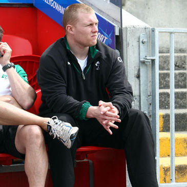 Keith Earls watches the Ireland squad train at Thomond Park