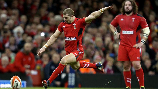 Leigh Halfpenny kicks for goal against Italy