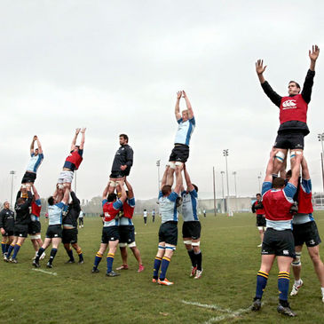 The Leinster forwards practise their lineout lifting