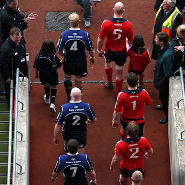 Leo Cullen and Paul O'Connell lead their teams out