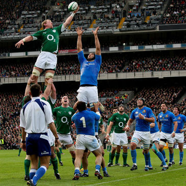 Leo Cullen steals a lineout for Ireland