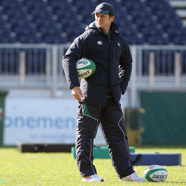 Ireland defence coach Les Kiss