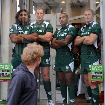 Bob Casey and his London Irish team-mates pose in Elverys