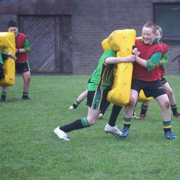Pupils from St. Paul's get to work with the tackle bags