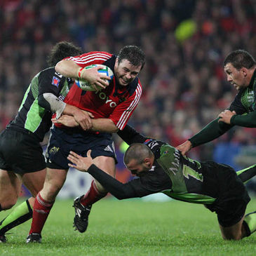 Munster's Marcus Horan in action against Montauban