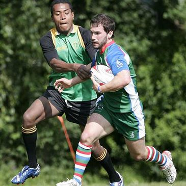 Mark Bruce in action for the DHL Exiles Sevens side