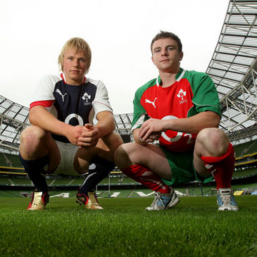 Luke Marshall and Mark Dolan wearing the O2 Challenge kits