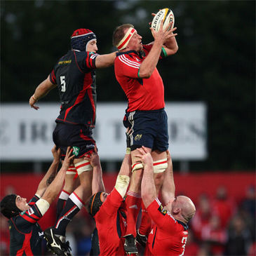 Munster lock Mick O'Driscoll secures lineout possession