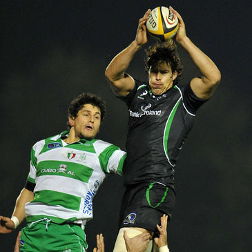 Connacht's Mike McCarthy in lineout action