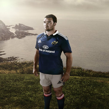 Peter O'Mahony in the new Munster alternate kit