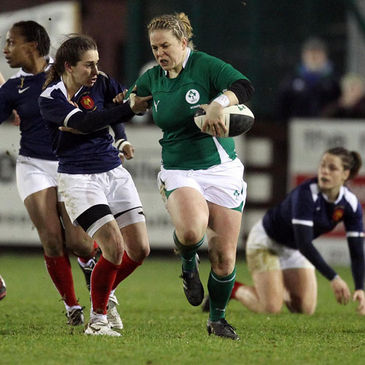 Niamh Briggs in action against France