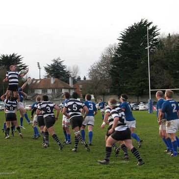 Lineout action from Anglesea Road
