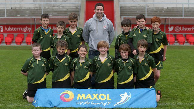 Paddy Wallace with the Ballyholme Primary School team