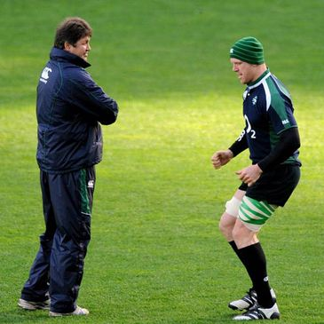 Gert Smal has a word with Paul O'Connell