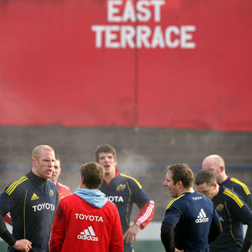 Munster captain Paul O'Connell talks to his team-mates during training
