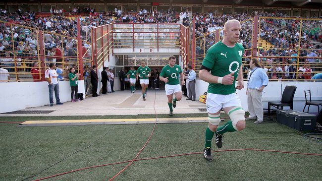Paul O'Connell leads out Ireland in Resistencia