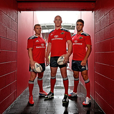 Paul O'Connell with Keith Earls and Conor Murray