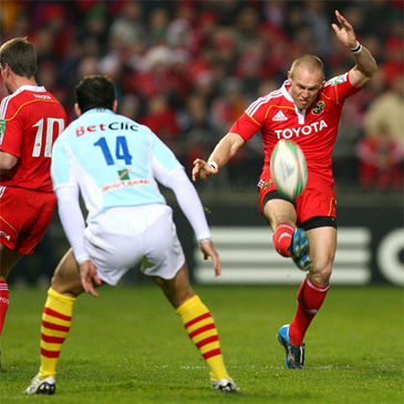 Paul Warwick in action for Munster against Perpignan