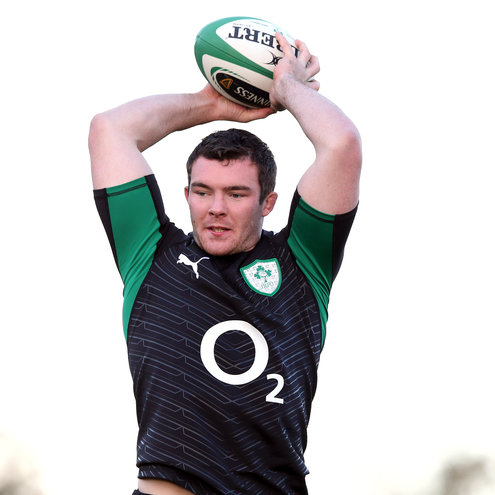 Peter O'Mahony training with the Ireland squad
