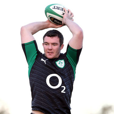 Peter O'Mahony trains with the Ireland squad