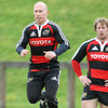 Experienced scrum half Peter Stringer will slot in for the injured Tomas O'Leary in the Munster side to face Leinster