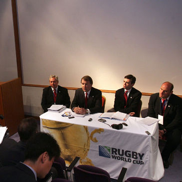 Former England captain Lawrence Dallaglio was part of the English presentation team