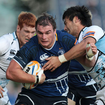Rhys Ruddock in action against Glasgow Warriors