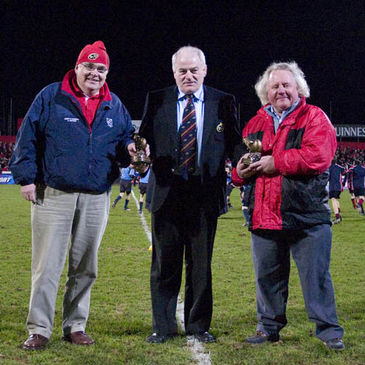 Bantry Bay's Richie Reynolds and Neil Clarke receive their awards