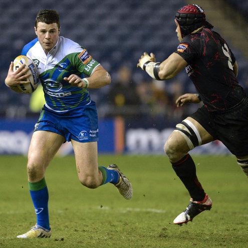 Robbie Henshaw in action against Edinburgh
