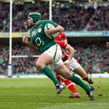 Rory Best runs in Ireland's opening try against Wales