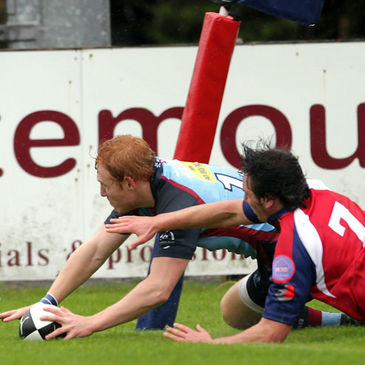 Rory Scholes scores a debut try for Belfast Harlequins