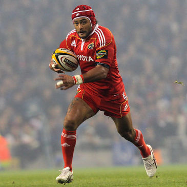 Sam Tuitupou in action for Munster