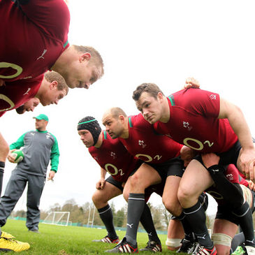 Ireland get ready to practise their scrummaginig