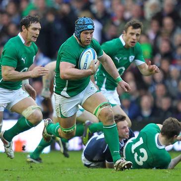 Sean O'Brien breaks forward for Ireland