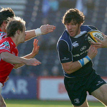 Shane Horgan on the attack against the Scarlets